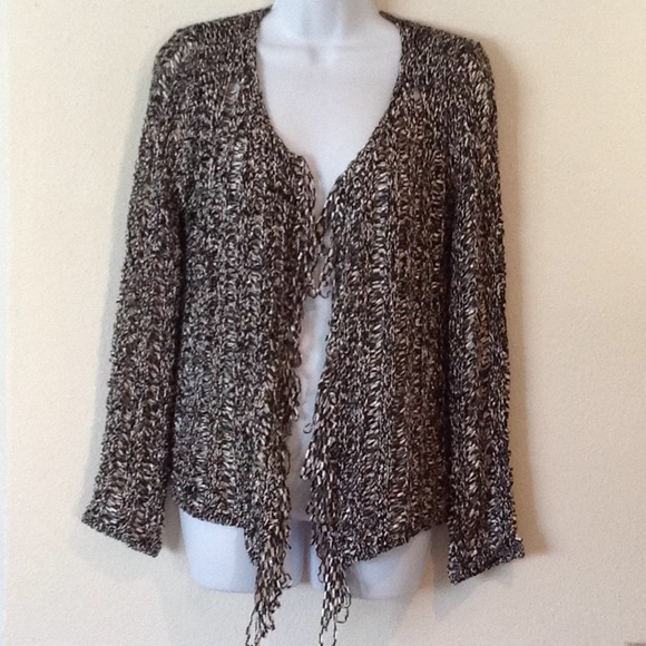 BCBGMaxAzria Sweaters - Cute open weave cardi. Shiny finish silver./black